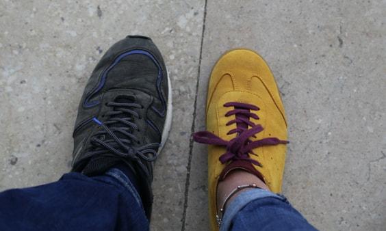 Unterschiedliche Schuhe